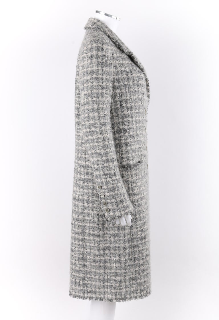 Women's CHANEL A/W 2005 Grey Silver Metallic Classic Fantasy Tweed Boucle Box Coat Pearl