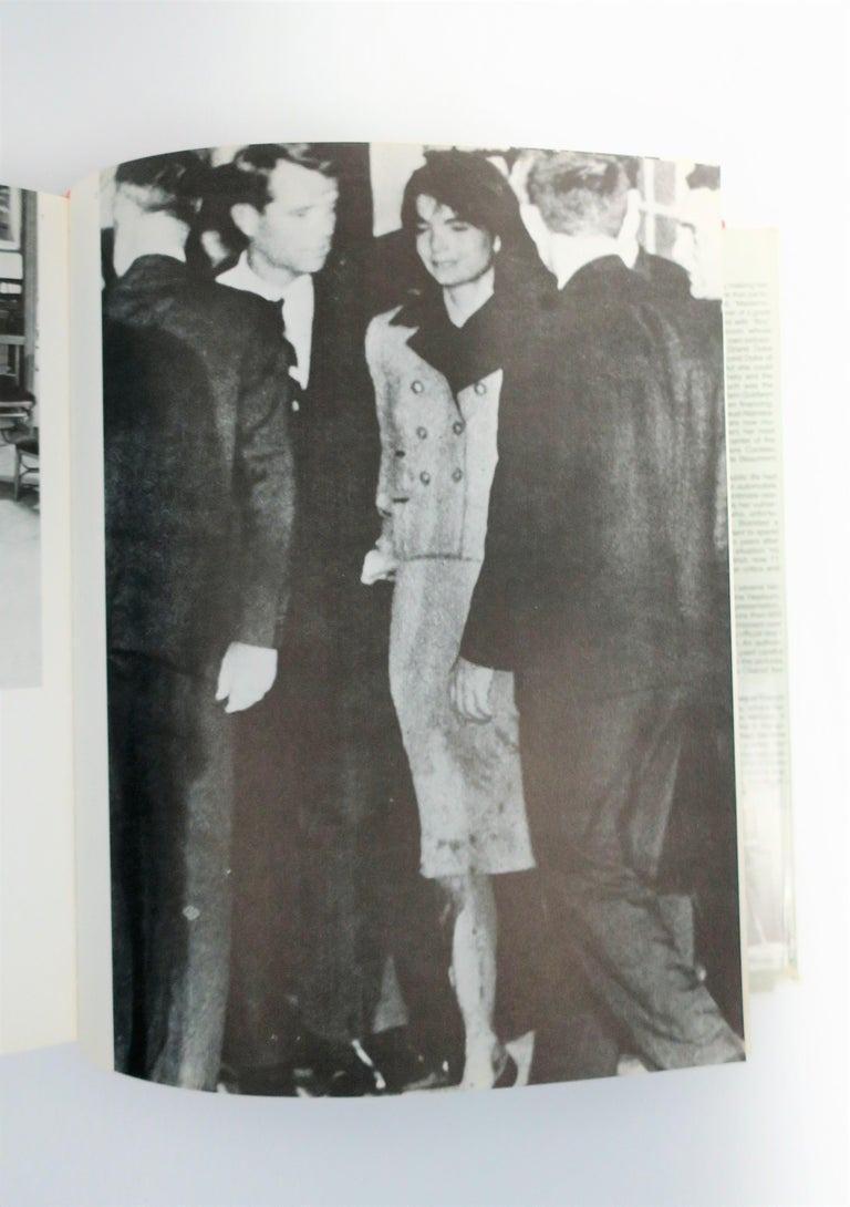 Chanel and Her World, Library or Coffee Table Book, ca 1979 For Sale 13