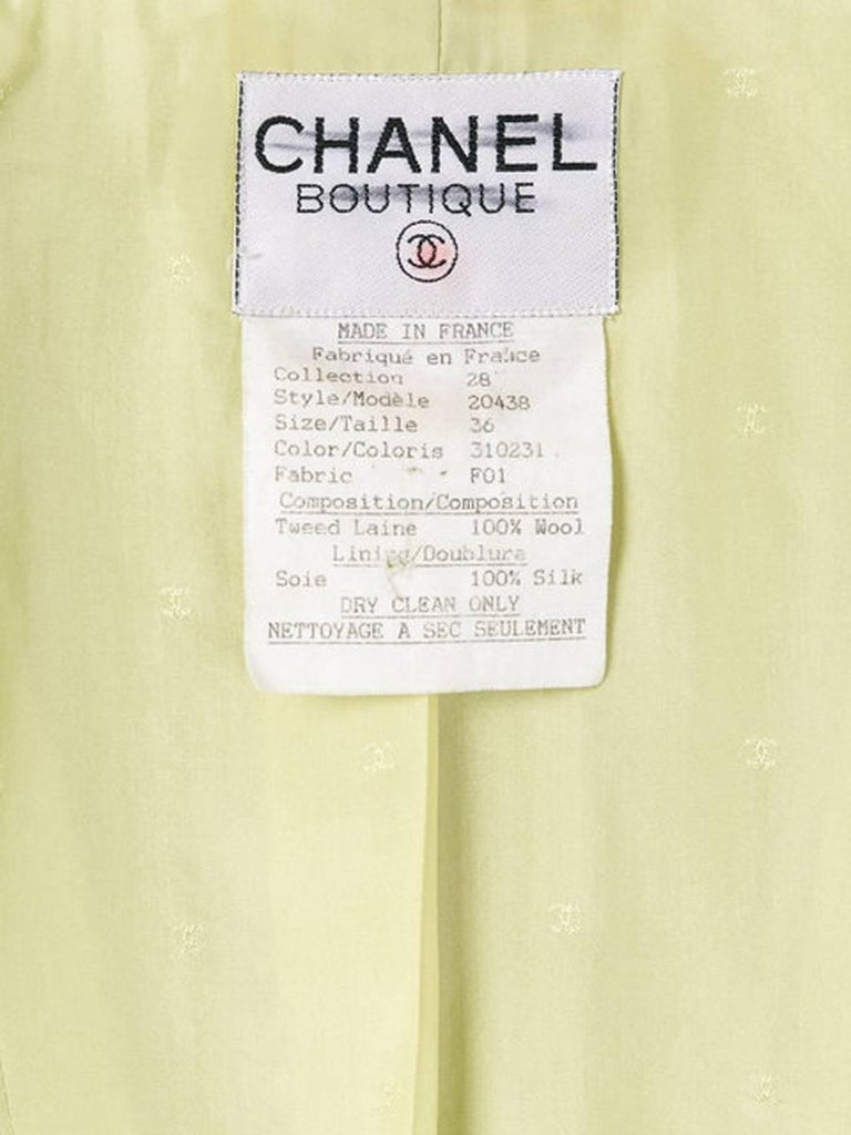 Women's Chanel Anis Boucle Wool Tweed Jacket For Sale