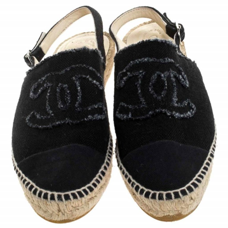 These Chanel flats are comfortable and stylish. Crafted from black canvas, there is nothing to not love about these. They feature the signature CC logo on the uppers and have 'CHANEL' stamped on the insoles. Pair these flats up with a casual tee and