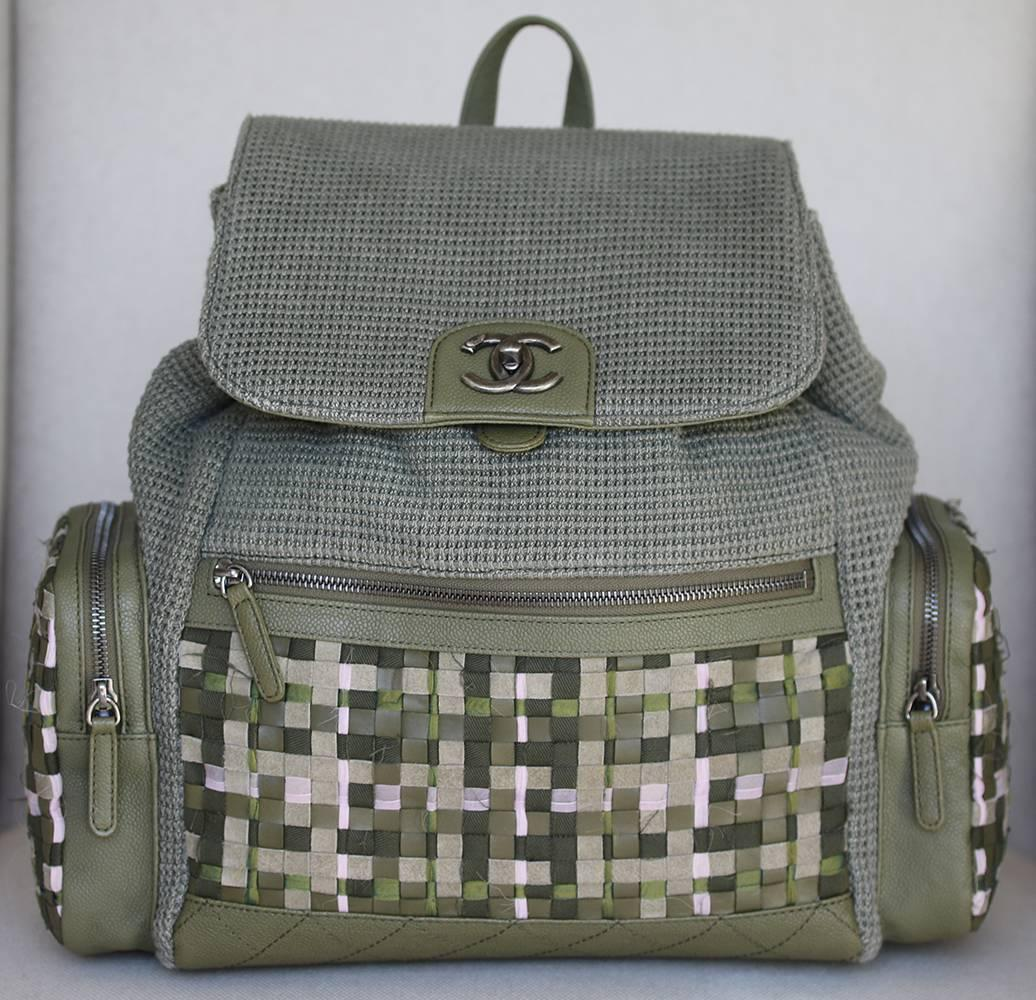 d46963ca81f2 Chanel Backpack Pocket Bag in Woven Tweed and Canvas at 1stdibs