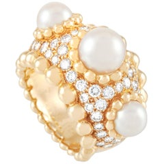 Chanel Baroque 18 Karat Yellow Gold 1.50 Carat Diamond and Pearl Ring