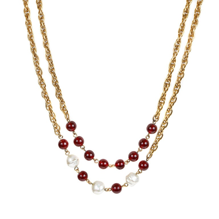 Chanel Beaded Red Gripoix and Pearl Necklace In Good Condition For Sale In Palm Beach, FL