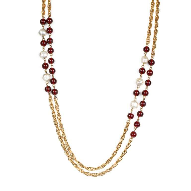 Women's Chanel Beaded Red Gripoix and Pearl Necklace For Sale