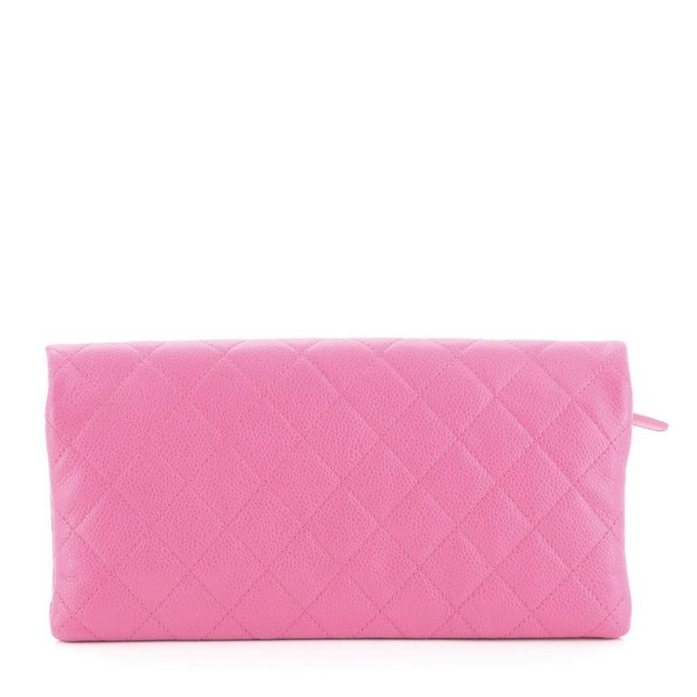 Chanel Beauty CC Clutch Quilted Caviar In Good Condition For Sale In New York, NY
