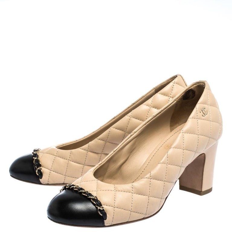 Chanel Beige/Black Quilted Leather Chain Detail Block Heel Pumps Size 36 For Sale 1