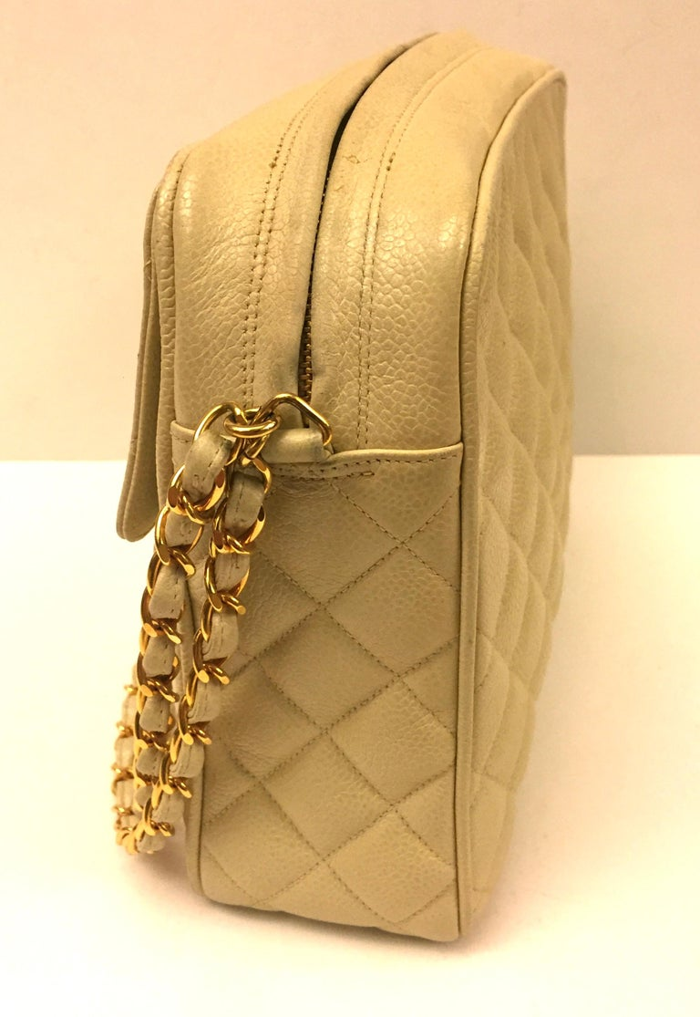 Chanel Beige Caviar Double Chain Handbag In Good Condition For Sale In Sheung Wan, HK