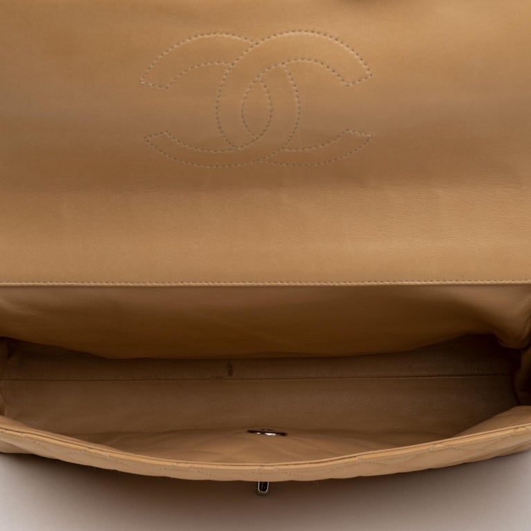 Chanel Beige Lamb Skin Leather Clutch For Sale 1