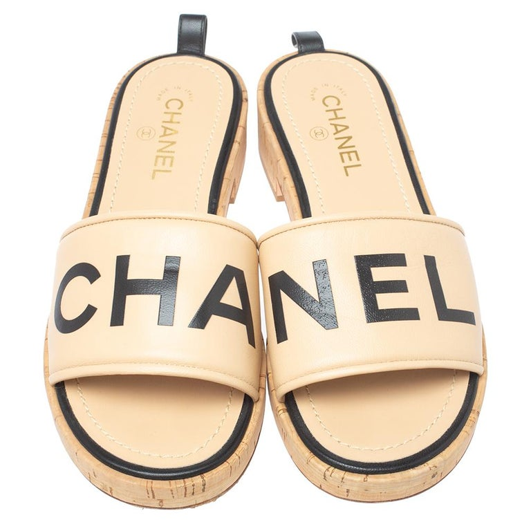 Women's Chanel Beige Leather Logo Cork Slides Size 41 For Sale