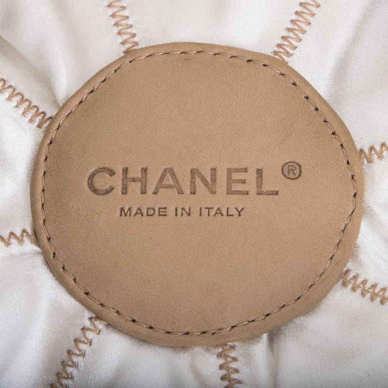 b567854e5b05 Chanel beige leather & white satin REVERSIBLE TASSEL SMALL BUCKET Bag For  Sale 3