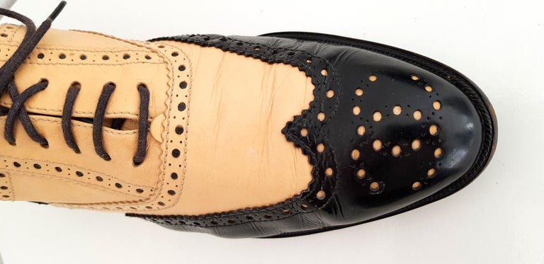 Chanel Bicolor Leather Lace-up Oxford Shoes - Size 40 (EU) For Sale 2