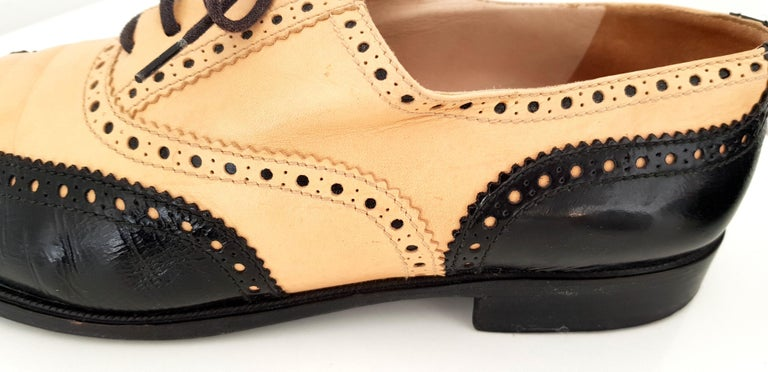 Chanel Bicolor Leather Lace-up Oxford Shoes - Size 40 (EU) For Sale 3