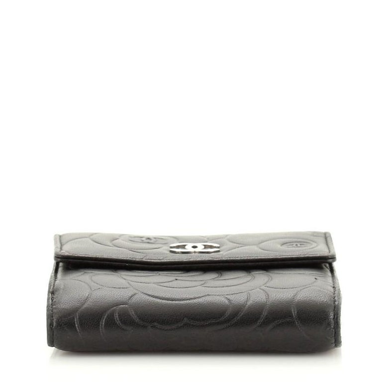 Chanel Bifold Wallet Camellia Lambskin Compact In Good Condition For Sale In New York, NY