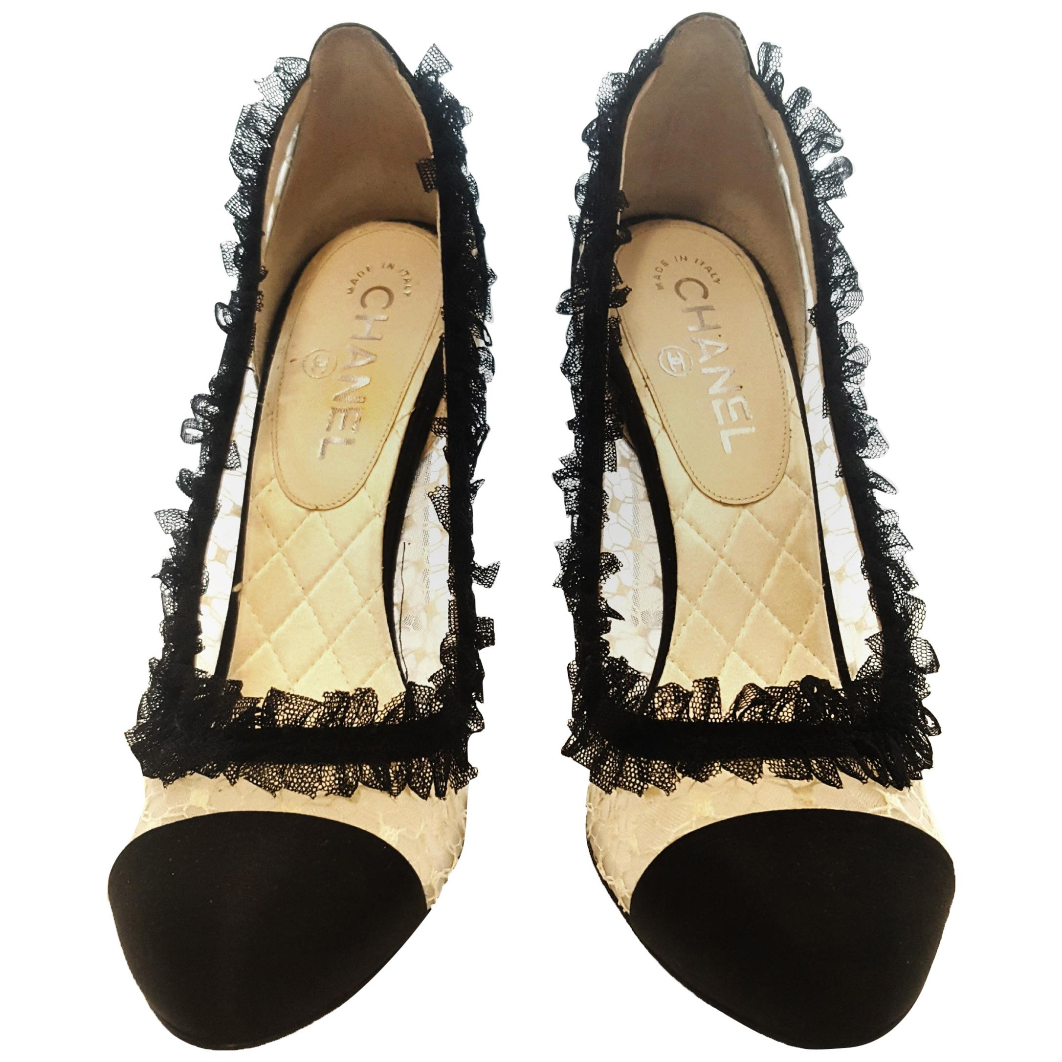 ed301e12f4c0b Vintage Chanel Shoes - 112 For Sale at 1stdibs