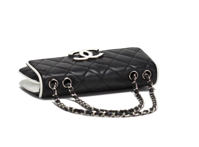 Chanel Black and White Cruise Logo Accordion Jumbo Classic Flap Bag  In Good Condition For Sale In Miami, FL
