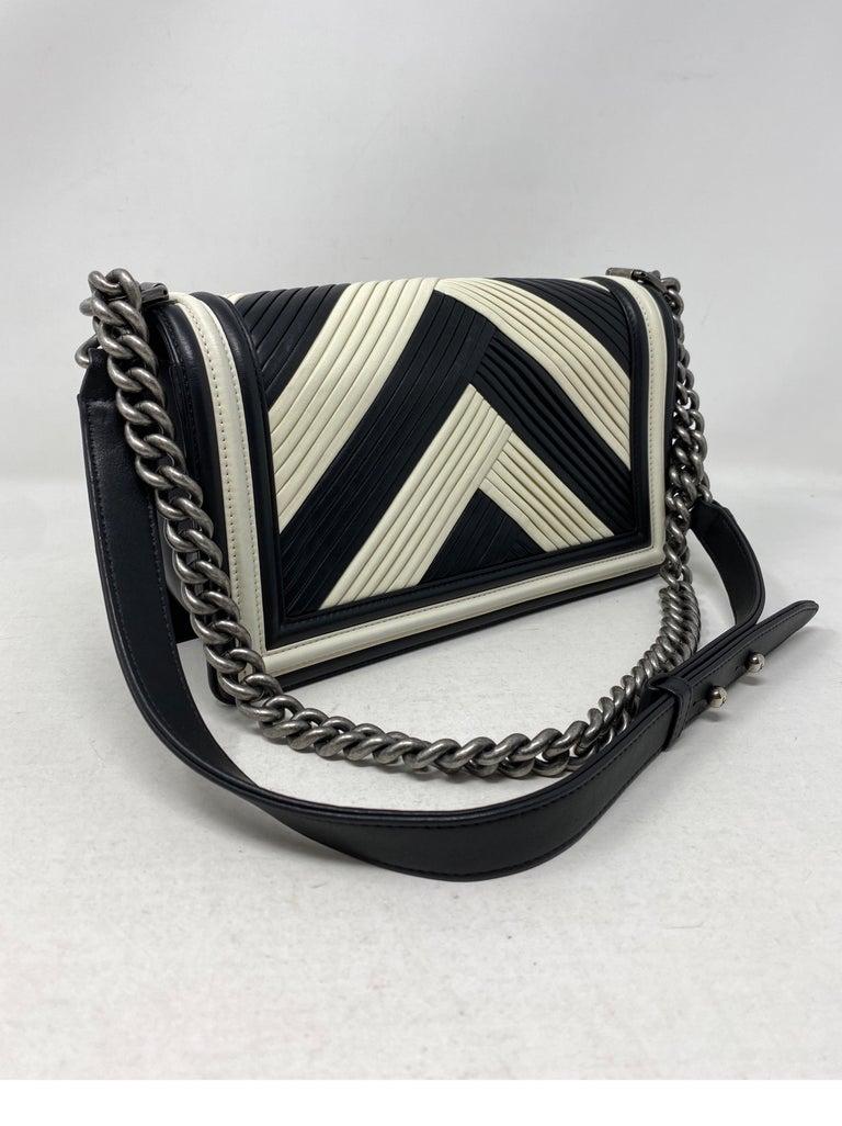 Chanel Black and White Chevron Boy Bag For Sale 7