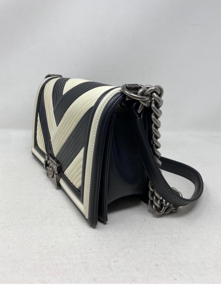 Chanel Black and White Chevron Boy Bag For Sale 10