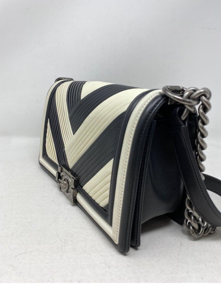 Chanel Black and White Chevron Boy Bag For Sale 11
