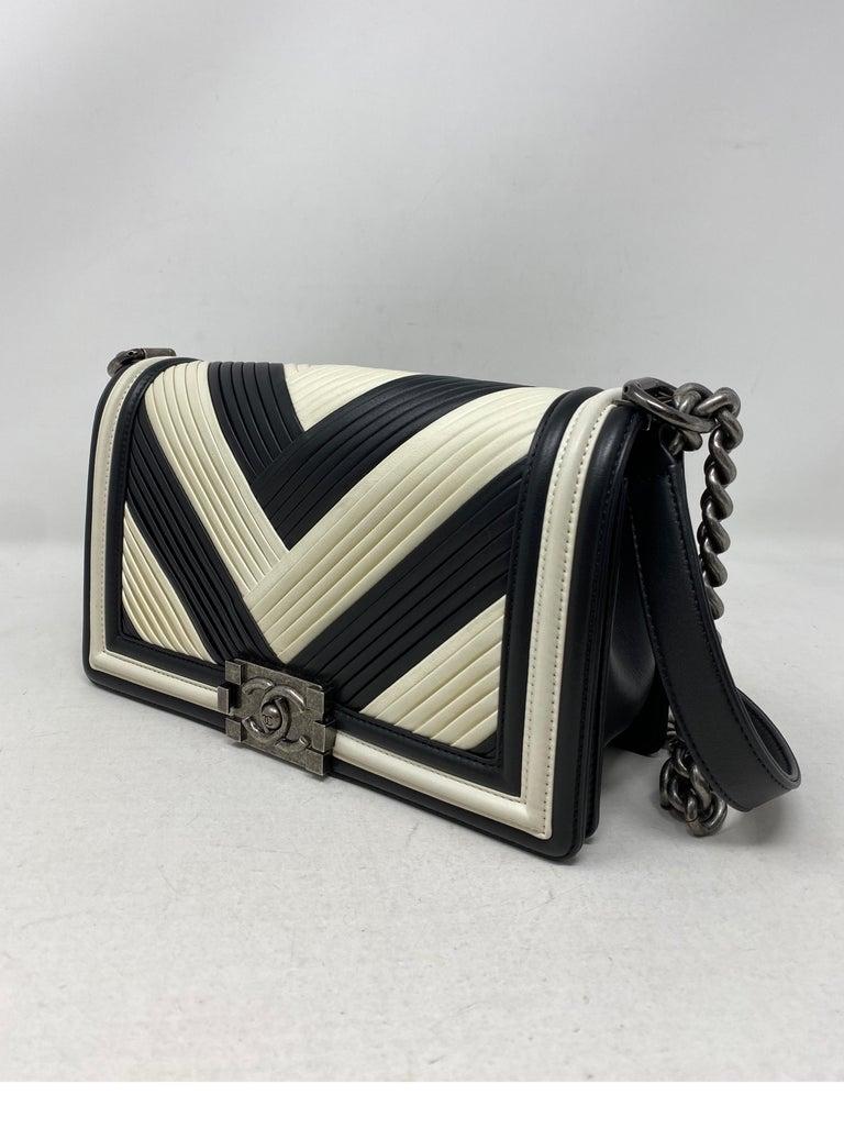 Chanel Black and White Chevron Boy Bag For Sale 12