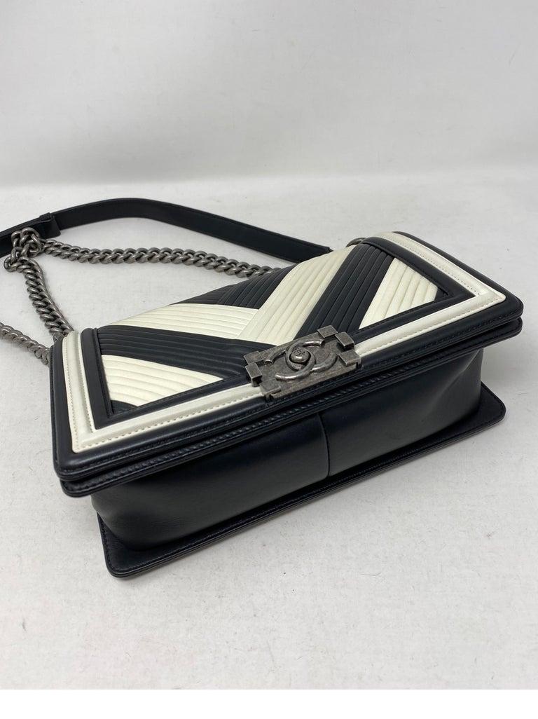 Chanel Black and White Chevron Boy Bag For Sale 13