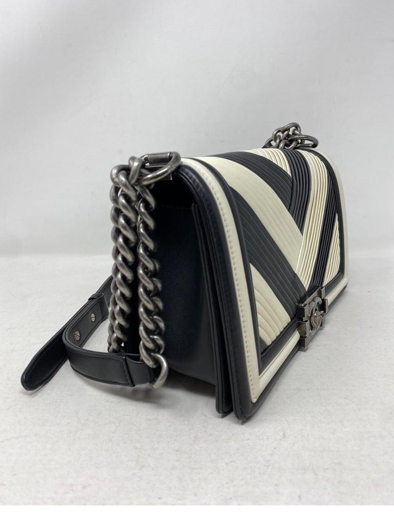 Chanel Black and White Chevron Boy Bag For Sale 3