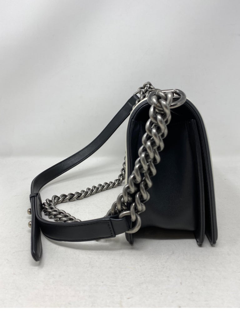 Chanel Black and White Chevron Boy Bag For Sale 4