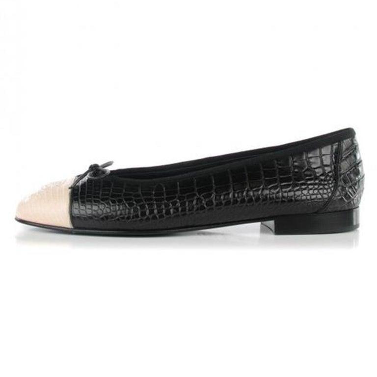 Chanel Black and White Limited Edition & Crocodile Alligator Ballet 39.5 Flats In Good Condition For Sale In Miami, FL