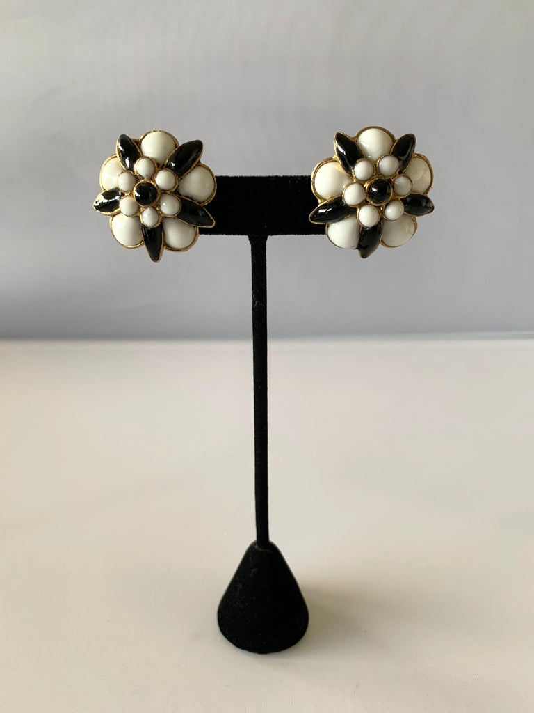 Exceptional vintage Chanel clip-on statement earrings, comprised out of gilt metal