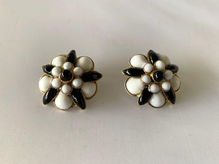 Women's Chanel Black and White
