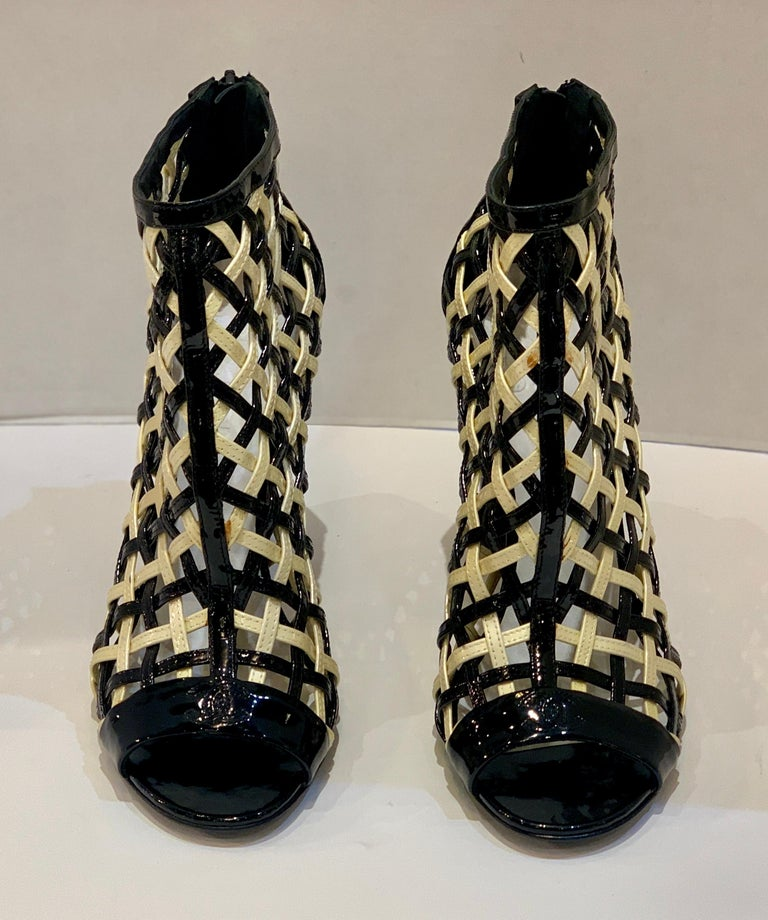 Chanel Black and White Patent Leather Cage Peep Toe Booties Shoes Size 41 or 11 In Good Condition For Sale In Tustin, CA
