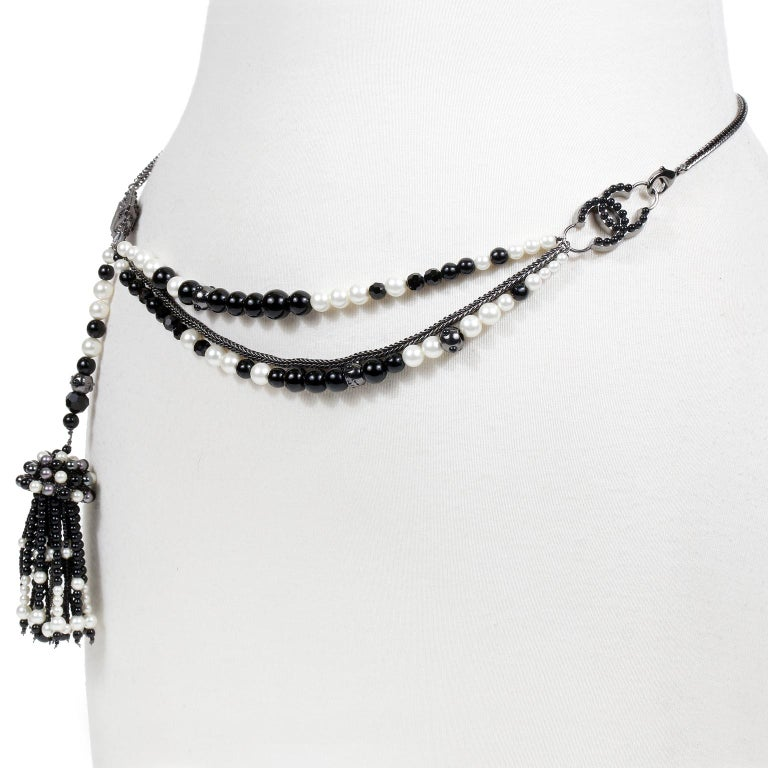 Chanel Black and White Pearl Tassel Belt Necklace For Sale 3