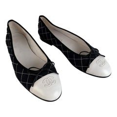 Chanel Black and White Quilted Ballet Flat Ballerina Shoes Size 41