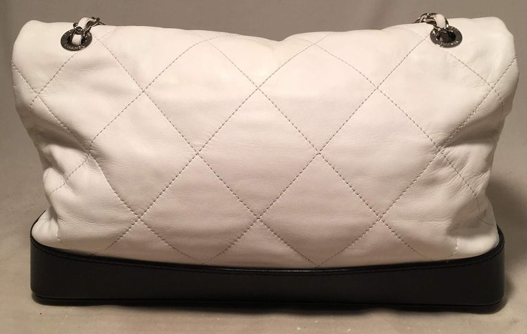 Chanel Black and White Quilted leather XL Classic Flap Shoulder Bag In Good Condition For Sale In Philadelphia, PA