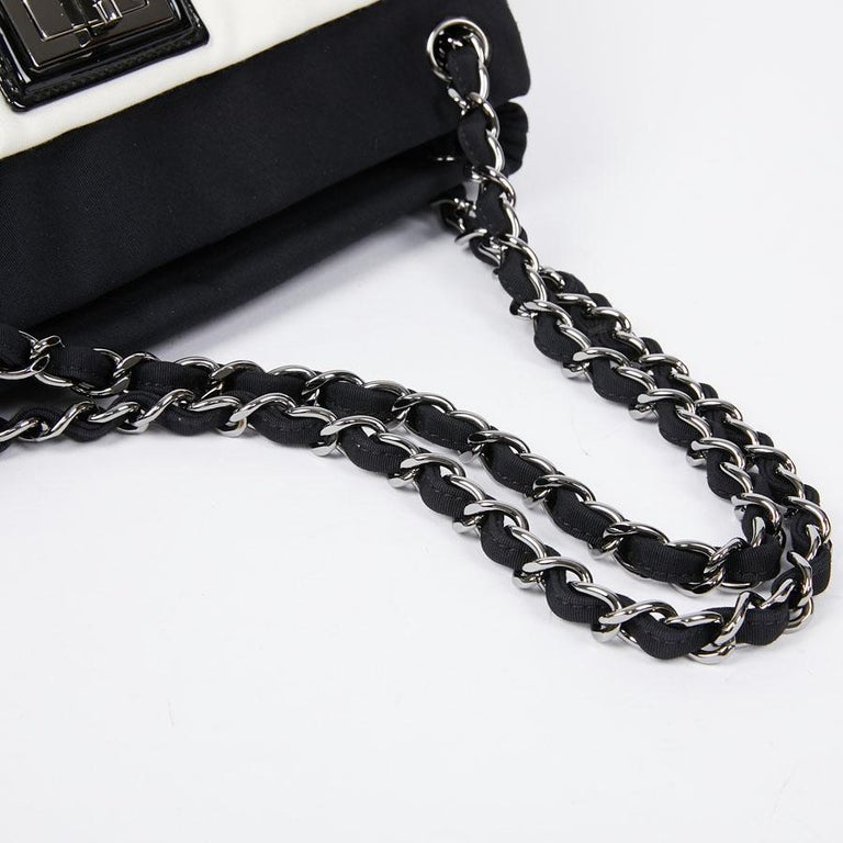 Chanel Black and White Two-Tone bag For Sale 2