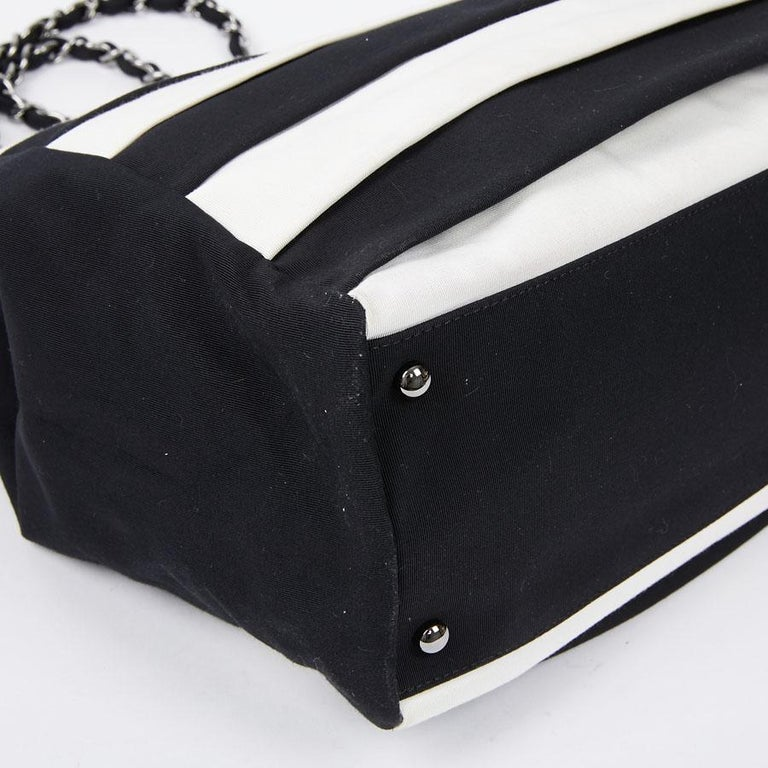 Chanel Black and White Two-Tone bag For Sale 3