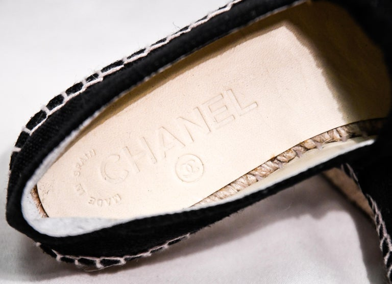 Chanel Black Canvas Espadrilles With CC Fringed on Vamps For Sale 3