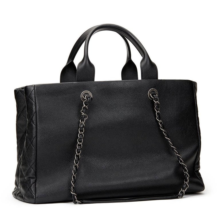 2016 Chanel Black Caviar Leather Large Shoulder Shopping Tote With Pouch In Excellent Condition For Sale In Bishop's Stortford, Hertfordshire