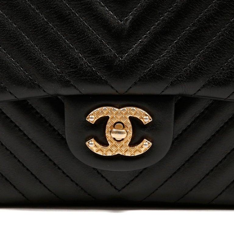 Chanel Black Chevron Calfskin Rock The Corner Flap Bag In Good Condition In Palm Beach, FL