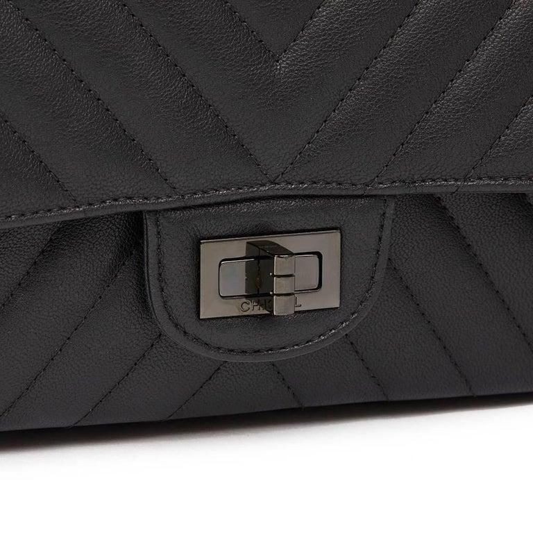 2270f79e934d 2017 Chanel Black Chevron Calfskin So Black 2.55 Reissue 226 Double Flap Bag  For Sale 10