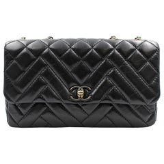 Chanel Black Chevron Quilted Lambskin Leather Medium Flap Bag AS1120