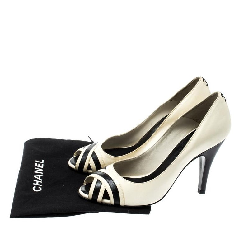 Chanel Black/Cream Leather Peep Toe Pumps Size 37 For Sale 4