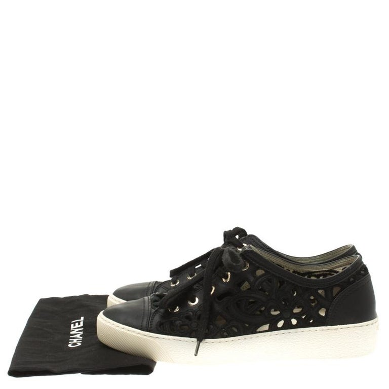 Chanel Black Flower Cutout Leather Sneakers Size 38.5 For Sale 4