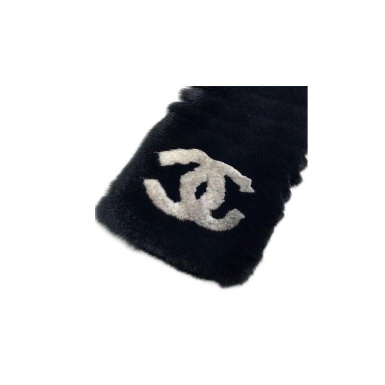 Chanel Black Fur Logo CC Long Neck Scarf In Good Condition For Sale In Miami, FL