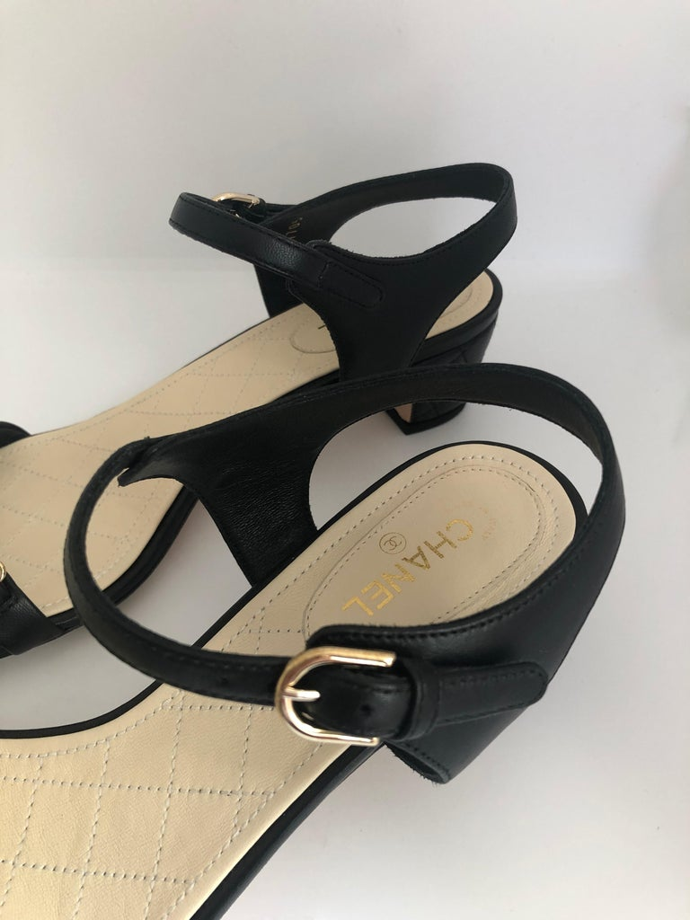 Chanel Black & Gold Chain Link One Strap Sandals w/ Quilted Leather 2