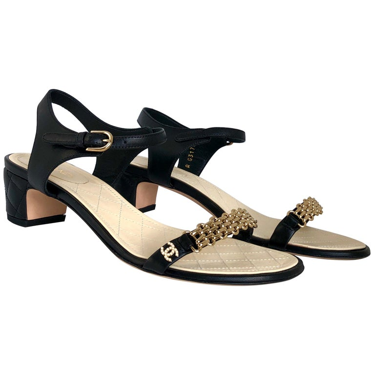 """Chanel Black & Gold Chain Link One Strap Sandals w/ Quilted Leather 2"""" Heel For Sale"""