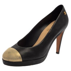 Chanel Black/Gold Leather CC Round Pumps Size 38