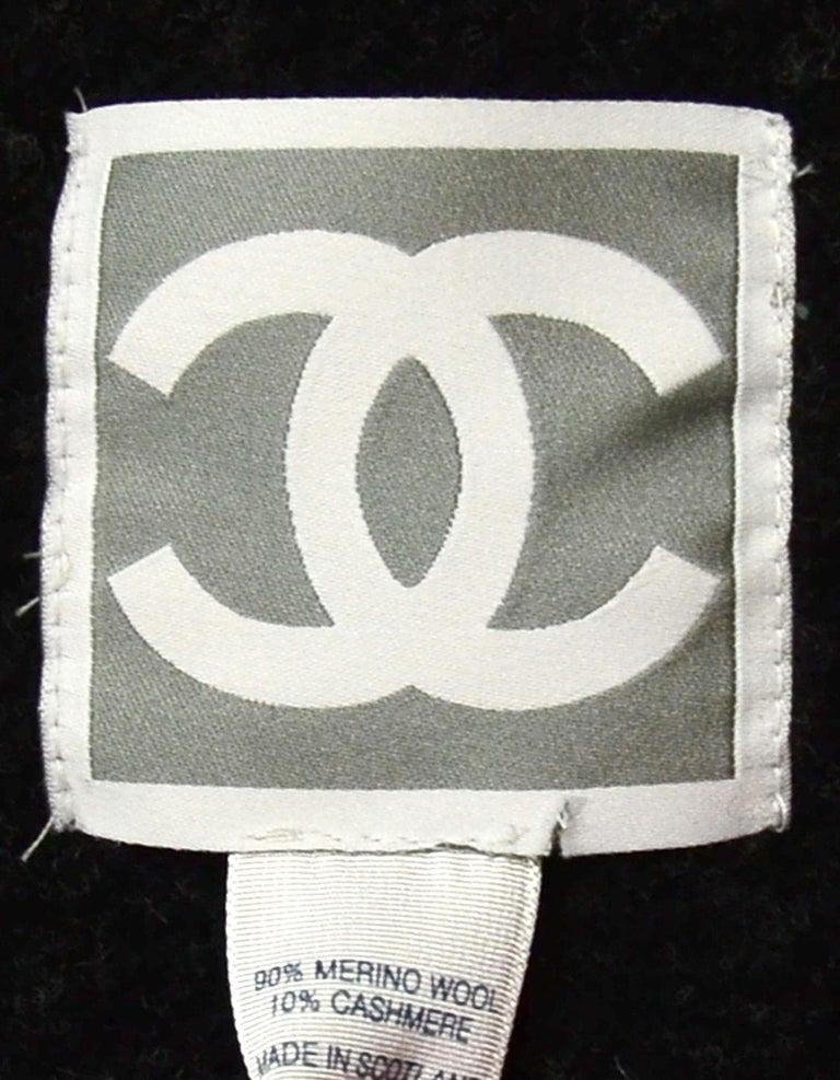 Women's or Men's Chanel Black/Grey Merino Wool & Cashmere CC Throw Blanket For Sale