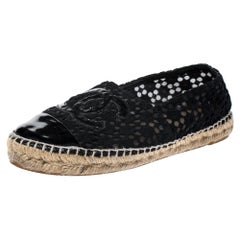 Chanel Black Lace And Patent Leather CC Espadrilles Size 38