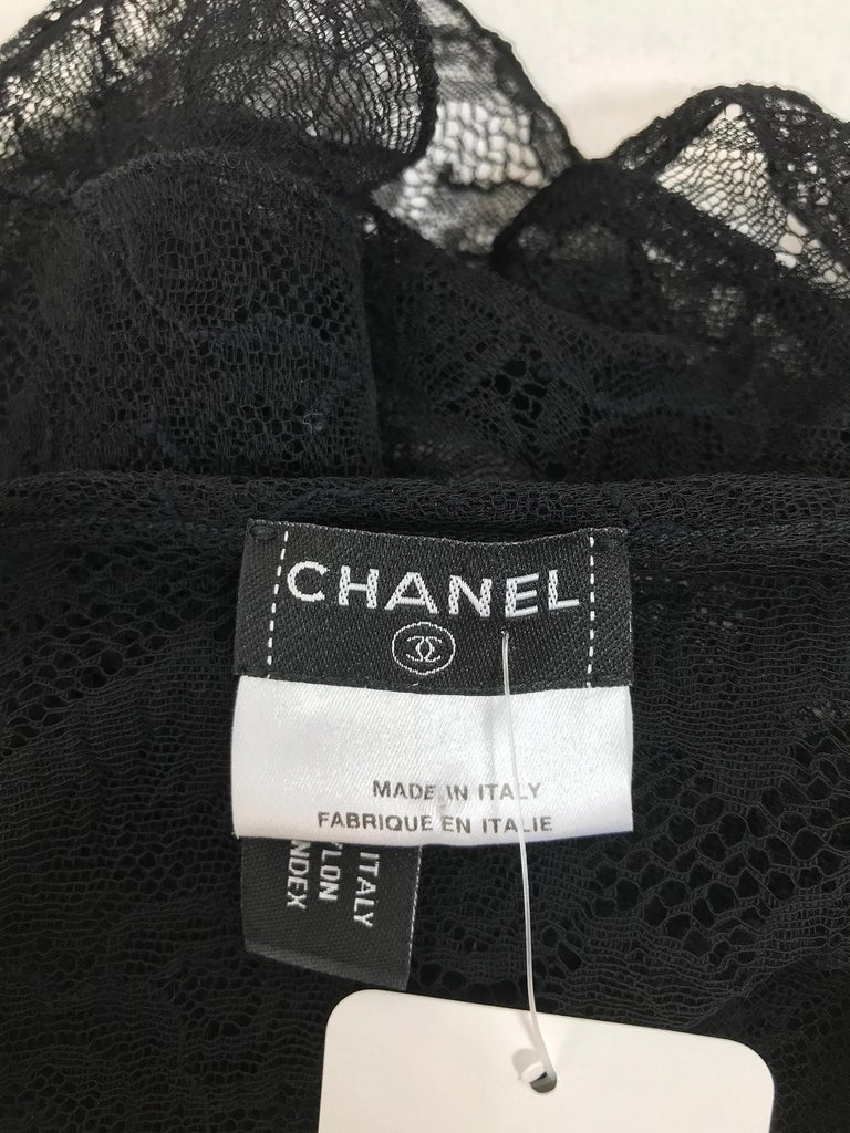 Chanel black lace pearl trimmed embroidered camisole 2004A For Sale 7