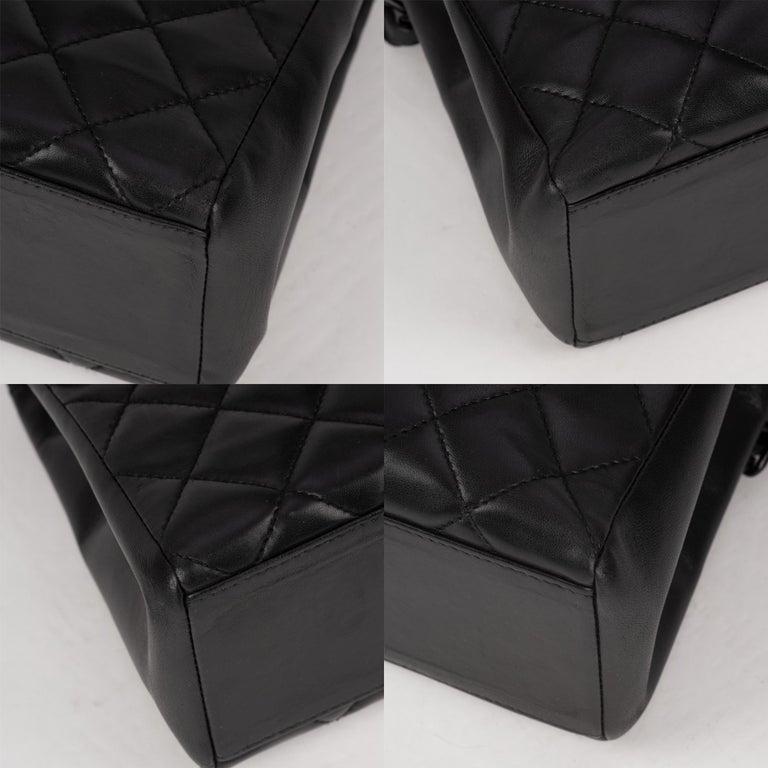 Handbag Chanel Black Lambskin Leather ! For Sale 2